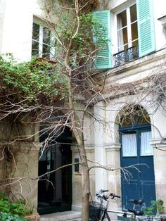 Paris, passage Delanos. http://pietondeparis.canalblog.com/archives/2012/01/31/23380685.html