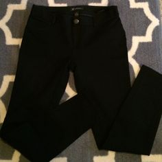 Inc. International black skinny pants Brand new black skinny pants. Really soft and very comfortable stretchy material. Dress up or dress down. Size 4 INC International Concepts Pants Skinny