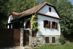 Sibiu Romania, Traditional House, Old Houses, Home And Garden, Cottage, Exterior, House Design, Cabin, House Styles