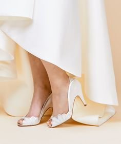 Rachel Simpson shoe Isabelle porcelain