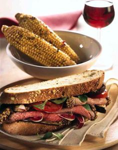 http://www.i-food.gr/recipe/5656/santouits-me-arni-paschalino-melitzanes-kai-salata Σάντουιτς με αρνί πασχαλινό, μελιτζάνες και σαλάτα