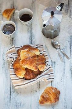 Italian cornetti, similar to a croissant. Commonly filled with chocolate, marmalade, or cream Croissants, I Love Coffee, Coffee Break, Coffee Time, Black Coffee, Coffee Shop, Morning Breakfast, Morning Coffee, Sunday Morning