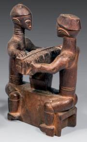 Deux joueurs d'awelé Baoulé République de Côte d'Ivoire