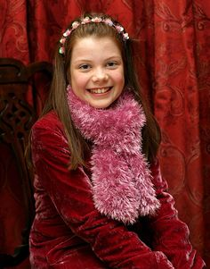 Georgie Henley and Santa Claus at the Ilkley Christmas Lights Switch-on - December 2005 Georgie Henley, Narnia Cast, Narnia Movies, Lucy Pevensie, Gap Teeth, Prince Caspian, The Valiant, Childhood Movies, Chronicles Of Narnia