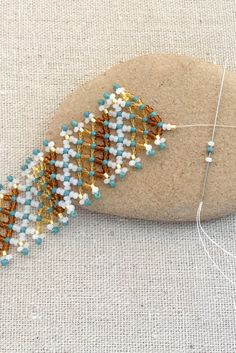 Free horizontal netting bead weaving tutorial and bracelet pattern