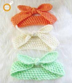 Knot Me Up Headband, Free Crochet Pattern Free Baby or Adult Crochet Headband Pattern, in multiple sizes. A beautiful stitch … Bandeau Crochet, Bag Crochet, Crochet Gratis, Crochet Beanie, Crochet Stitches, Crochet Baby Mittens, Scrap Yarn Crochet, Crocheted Hats, Crochet Poncho