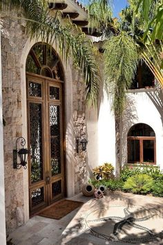 Spanish house, hacienda homes, hacienda style, balcony ideas, spanish colon Mediterranean Style Homes, Spanish Style Homes, Spanish House, Mediterranean Architecture, Spanish Colonial, Style Toscan, Style At Home, Design Balcon, Style Hacienda