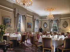 Dining at The Great Southern Killarney. At The Great Southern Killarney we pride ourselves on the freshest locally sou Grand Foyer, Beauty Room, Winter Garden, Amazing Gardens, Restaurant Bar, Great Rooms, Table Settings, Lounge, Dining
