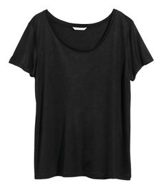 Short-sleeved top in soft jersey.