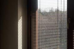 Benedetta Picco Aspettando il sole Blinds, Curtains, Home Decor, Futurism, Decoration Home, Room Decor, Shades Blinds, Blind, Draping