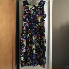 JCPennie floral stretch pencil dress Worn once! Bright, fun, comfortable and slimming! Perfect dress for spring/summer Dresses Midi
