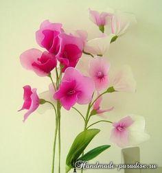 Цветущий горох из капрона. Приобрести семена душистого горошка можно в магазине с семенами цветов. А пока он вырастет, предлагаю создать горох своими руками
