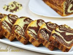 Chec pufos cu cacao (sub butter instead of oil, for more moist) Loaf Tin Recipes, Sweets Recipes, Easy Desserts, Cake Recipes, Cooking Recipes, Romanian Desserts, Romanian Food, Homemade Sweets, Coffee Dessert
