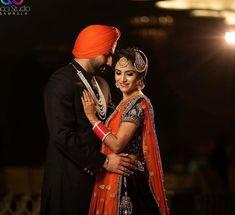 Couple Posing, Couple Shoot, Couple Pictures, Indian Wedding Photography, Couple Photography, Kurta Pajama Punjabi, Sweet Couples, Punjabi Couple, Sad Pictures