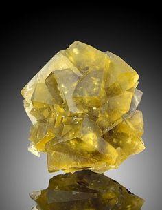 Fluorite - Okorusu Mine, Otjiwarongo District, Otjozondjupa, Namibia (Source: ebay.com)