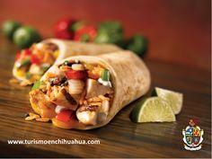 El típico platillo llamado Burrito, es originario de Cd. Juárez y surgió en la Revolución Mexicana, cuando un señor llamado Juan Méndez vendía su comida caliente y para mantenerla así, la envolvía en tortillas grandes de harina, transportaba su comida con dos burros y se le conocía como el señor de los Burritos, de ahí se le quedó el nombre a este platillo delicioso e inigualable. #ciudadjuarez