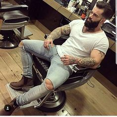 "399 mentions J'aime, 3 commentaires - Beard & Beast (@beardandbeast) sur Instagram : ""Admin : @hey_oh_alex insta 2 : @inkandbeast . model : @anthony_defosse Promotions ,…"""