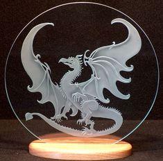 Dragón cristal tallado en Base de madera hechos a mano