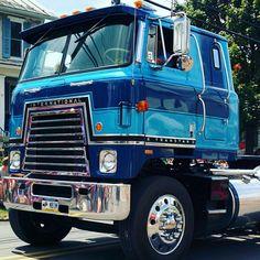 Farm Trucks, Big Rig Trucks, Diesel Trucks, Semi Trucks, Cool Trucks, International Travelall, Navistar International, International Harvester Truck, Trailers
