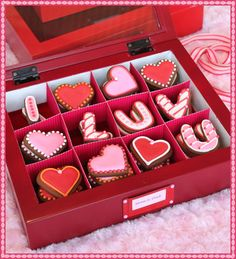 Valentine's Ideas for Adults on @LaylaGrayce blog! #laylagrayce #holidays #valentinesday
