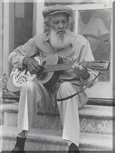 """Sam Chatmon - Delta blues guitarist and singer with the Mississippi Sheiks, a popular string band from Jackson that lasted about 10 years beginning in Their most famous track was the oft covered """"Sittin' On Top Of the World. Jazz Blues, Rhythm And Blues, Blues Music, Blue Roots, Mississippi Delta, Delta Blues, Blues Artists, Jazz Musicians, Down South"""