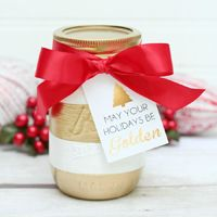 These DIY gold-striped mason jars make great holiday or winter decorations. Fill them with flowers or incense to bring a sparkle to your kitchen, mantel or entryway.