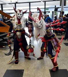 Blood Moon Kalista & Blood Moon Thresh from League of Legends Cosplayers: Micari & Metrakci Cosplay Photographer: Madz Cosplay