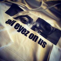 Mal was anderes...wer erkennt's? #alleyezonus #2pacbiggiesmalls #abschlussmotto #ak16 #ak2016 #abschluss2016 #abschlusspulli #shirtsndruck