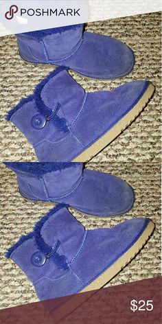 Blue fur winter boots size 1 Excellent Condition Navy blue color, interior fur very cozy Trade $25 Shoes Boots