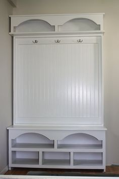 ✶ A wonderful piece of furniture for a mudroom✶