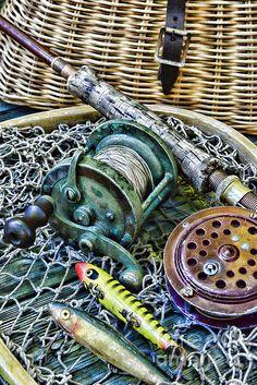 Fishing - Vintage Fishing Gear by Paul Ward Fishing World, Fly Fishing, Bass Fishing Pictures, Vintage Fishing Lures, Photography Challenge, Photography Ideas, Fishing Photography, Vintage Cabin, Christmas Drawing