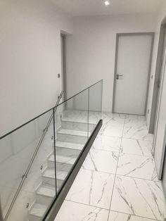 Garde corps vitré design pour votre intérieur O'Cintrage fabricant à Béziers
