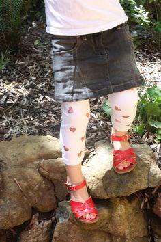 DIY glitter heart leggings
