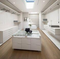 SUNSET STRIP RESIDENCE : modern Dressing room by McClean Design