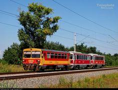 RailPictures.Net Photo: 387 Hungarian State Railways (MÁV) 117 / Bzmot at Békéscsaba, Hungary by Sly77
