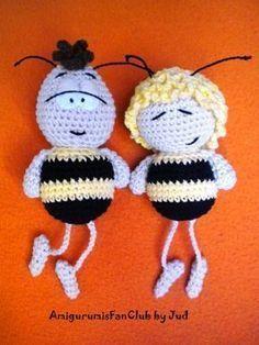 ohhhhhh how sweet they are! I'm in love --> patron gratis amigurumi willi maia Crochet Bee, Crochet Patterns Amigurumi, Crochet Gifts, Amigurumi Doll, Crochet Dolls, Free Crochet, Chrochet, Crotchet Animals, Lilo And Stitch