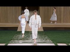 Making-of the Spring-Summer 2016 Haute Couture CHANEL Collection - YouTube