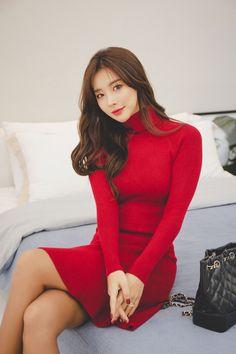 Lee Chae Eun red dress #koreanmodel #koreanbeauty #koreanfashion #model #beauty #fashion Pretty Asian Girl, Cute Asian Girls, Beautiful Asian Women, Korean Girl Fashion, Asian Fashion, Oriental Fashion, Asian Woman, Beauty Women, Asian Beauty