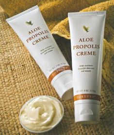 Who but Forever Living Products could produce a moisturizer as unique as Aloe Propolis Creme? Combining our world leadership in Aloe Vera and beehive products, Aloe Propolis Creme is one of our most popular skin care products. Forever Aloe, Forever Living Aloe Vera, Bee Propolis, Psoriasis Diet, Aloe Vera Skin Care, Forever Living Products, Skin So Soft, Leadership, Skin Treatments