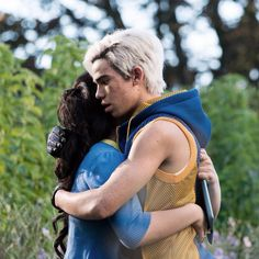 We LOVE Carlos and Jane together. Who else agrees? #Descendants2