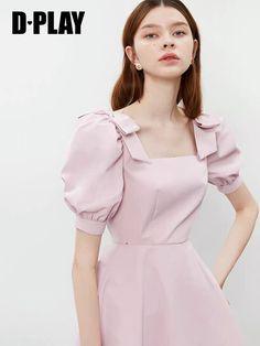 Stylish Dresses, Simple Dresses, Pretty Dresses, Girls Fashion Clothes, Fashion Dresses, Sleeves Designs For Dresses, Korean Fashion Dress, Haute Couture Dresses, Cutout Dress