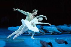 Tamara Rojo and Matthew Golding in Swan Lake in the round at the Royal Albe - The Independent