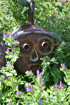 Heidi, the owner of Dragonfly Farms Nursery in Kingston, WA, loves and offers for sale lots of garden art. In keeping with the endless sum. Garden Junk, Lawn And Garden, Garden Art, Metal Yard Art, Scrap Metal Art, Welding Art, Welding Works, Welding Ideas, Farm Nursery