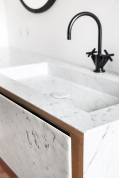Bathroom RR - Il Granito natuursteen - Daily Home Decorations Bathroom Interior, Modern Bathroom, Small Bathroom, Master Bathroom, Marble Bathrooms, Black Bathrooms, Granite Bathroom, Bathroom Remodeling, Remodeling Ideas