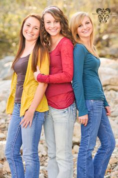 Older sibling poses, older sibling pictures, poses for family pictures