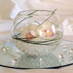 Beautiful clear or coloured water beads for wedding or event centerpieces. Fishbowl Centerpiece, Pearl Centerpiece, Lighted Centerpieces, Wedding Centerpieces, Centrepiece Ideas, Round Vase, Water Beads, Floating Candles, Centre Pieces