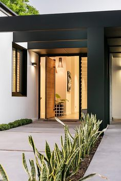 Charming Modern Front Door Design Ideas For Your Home The door is an important thing that can not be separated into building a house. In addition to security as well as a tool in and out. Modern Exterior, Exterior Design, Interior And Exterior, Modern Front Door, Front Door Design, Front Entry, House Entrance, Entrance Hall, Facade House