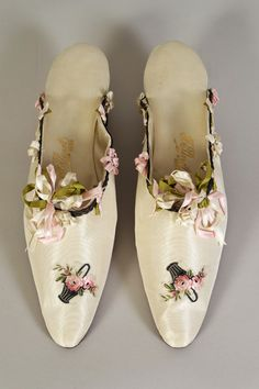 Satin mules with ribbon trim. French, 1900-20,   Collection of the Kent State University Museum KSUM 1991.48.12ab