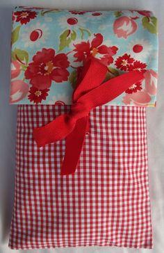 saco de sementes de cereais e alfazema, saco térmico, 3 minutos no microondas e está quentinho...  www.cestodaroupa.blogspot.com