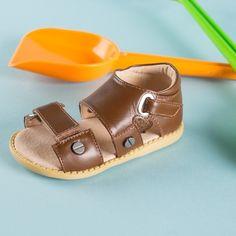 Beach day sandals.  #phillips #livieandluca #summer